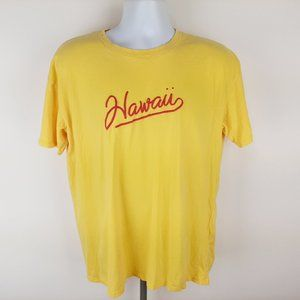Hollister Hawaii Men's T-shirt Size Medium Yellow